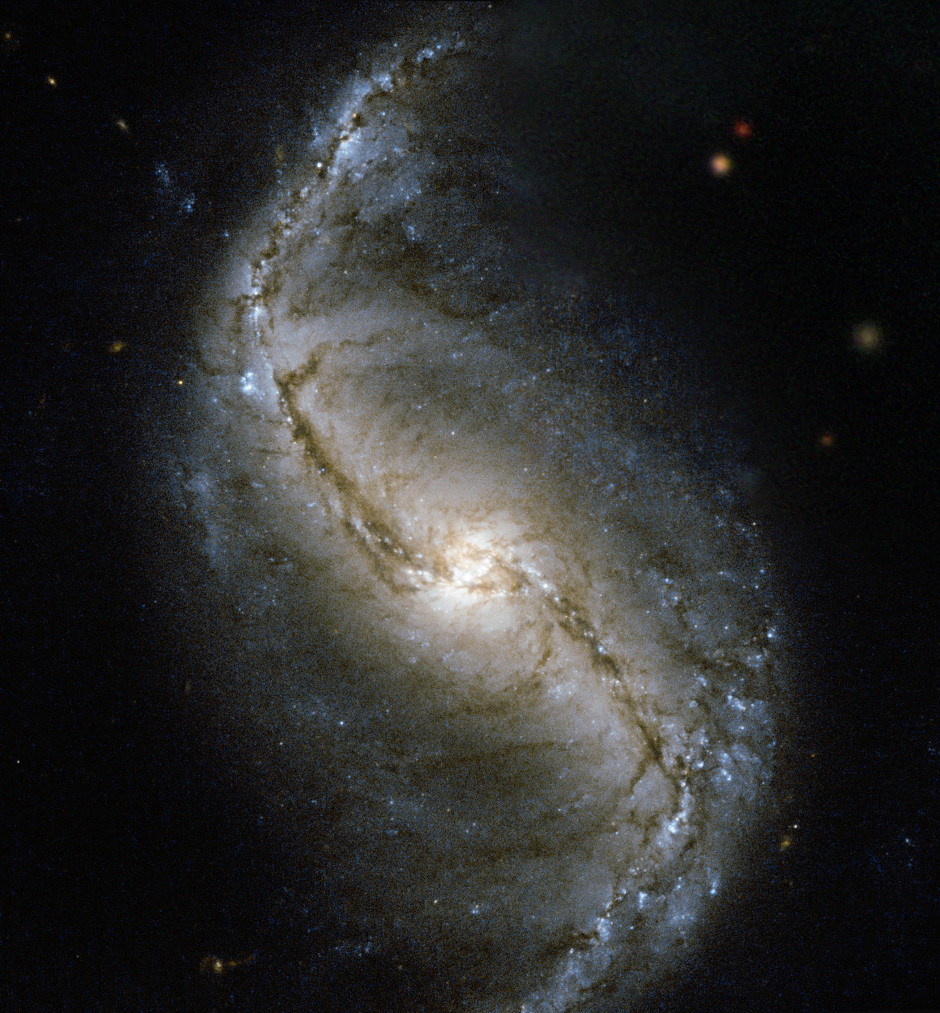 Hubble captures spiral galaxy in the Furnace – Astronomy Now
