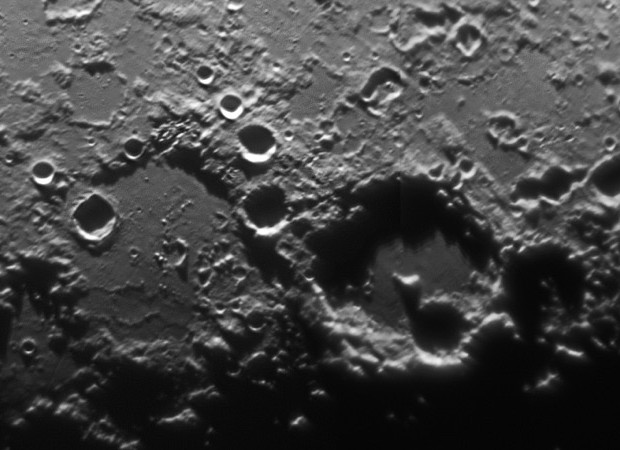 Hipparchus (lower left) and adjacent Albategnius are ancient lunar impact craters. North on the Moon is to the left in this picture. Image credit: Marnix Praet