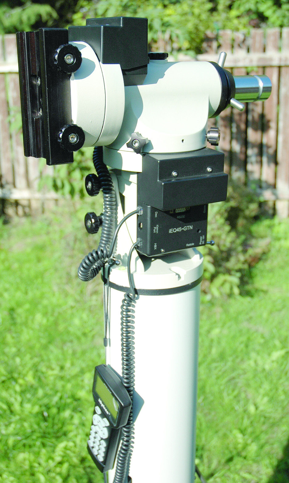 The iOptron iEQ45 mount fixed onto a plinth. Image credit: Ninian Boyle