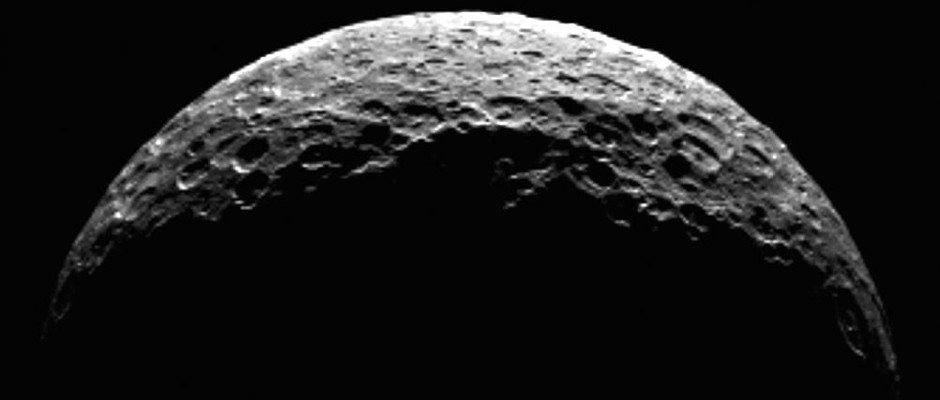 This processed image of the dwarf planet Ceres as a crescent was captured by the Dawn spacecraft on April 10th, 2015. Dawn was at a distance of 21,000 miles (33,000 kilometres) at the time its framing camera took this image. The spacecraft was manoeuvring toward its first science orbit, which it will enter on April 23rd. Image credit: NASA/JPL-Caltech/UCLA/MPS/DLR/IDA