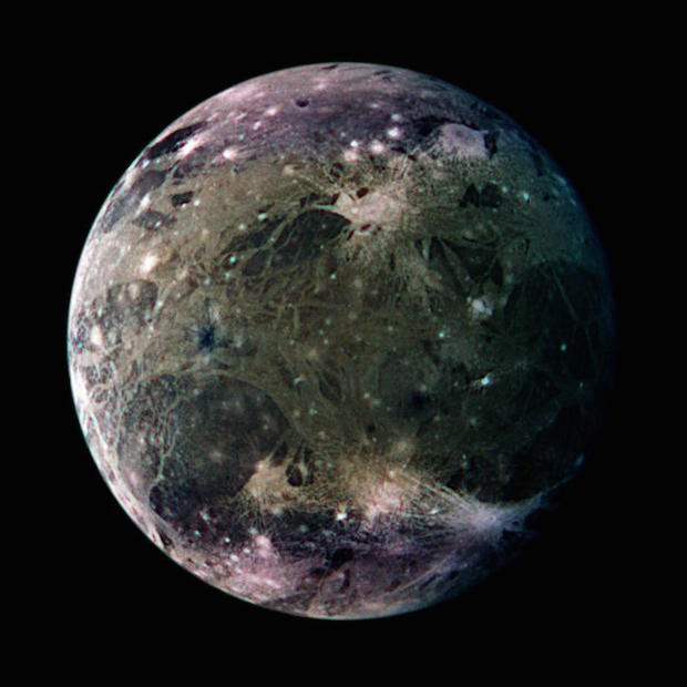 Habitable exomoons will need to be bigger than Mars ...