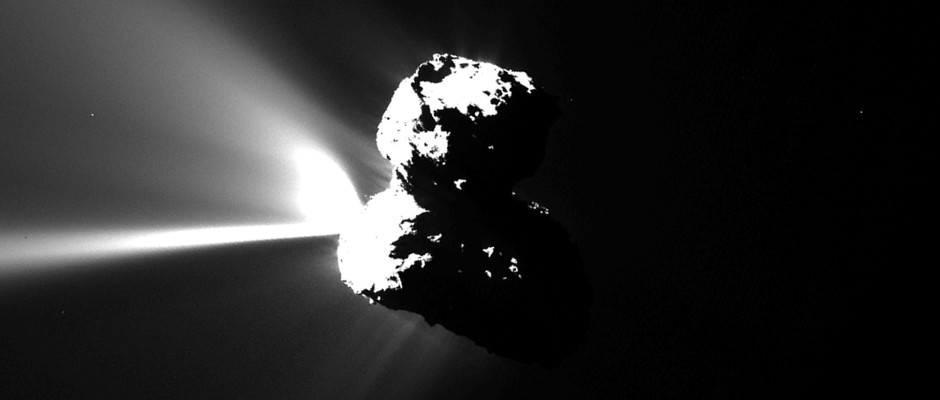 This image of Comet 67P/Churyumov–Gerasimenko was captured by Rosetta's OSIRIS narrow-angle camera on 12 August 2015 at 17:35 GMT, just a few hours before the comet reached perihelion. Image credit: ESA/Rosetta/MPS for OSIRIS Team MPS/UPD/LAM/IAA/SSO/INTA/UPM/DASP/IDA.
