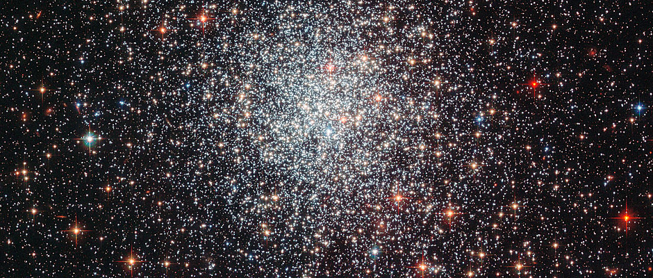 This Hubble image shows globular cluster NGC1783 in the Southern Hemisphere constellation of Dorado. It lies within the Large Magellanic Cloud, a satellite galaxy of our Milky Way, some 160,000 light-years from Earth. NGC1783 is thought to be less than 1.5 billion years old — very young for a globular cluster. Image credit: ESA/Hubble & NASA, Acknowledgement: Judy Schmidt.