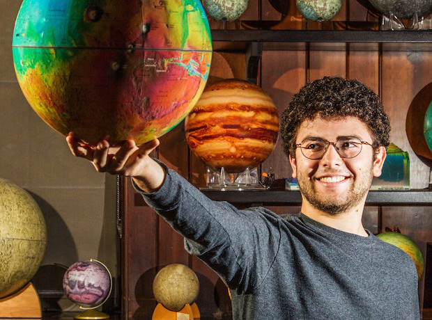 New view on the ancient climate of Mars. Eliott Rosenberg, an undergraduate student at Brown University who led the research. Image credit: Mike Cohea/Brown University.