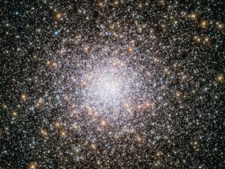 This NASA/ESA Hubble Space Telescope view of bright magnitude +6.4 globular cluster NGC362 shows a field of view of 2.63 x 2.65 arcminutes. The cluster was discovered on 1August 1826 by James Dunlop. NGC362 lies 27,000 light-years away in the southern constellation of Tucana (The Toucan), α=01h03.2m, δ=-70°51' (J2000.0). Click the picture for a full-size version. Image credit: ESA/Hubble & NASA.