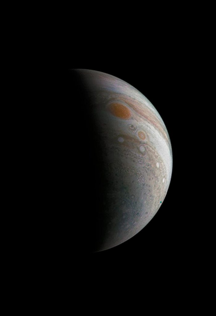 A crescent Jupiter and the Great Red Spot – Astronomy Now