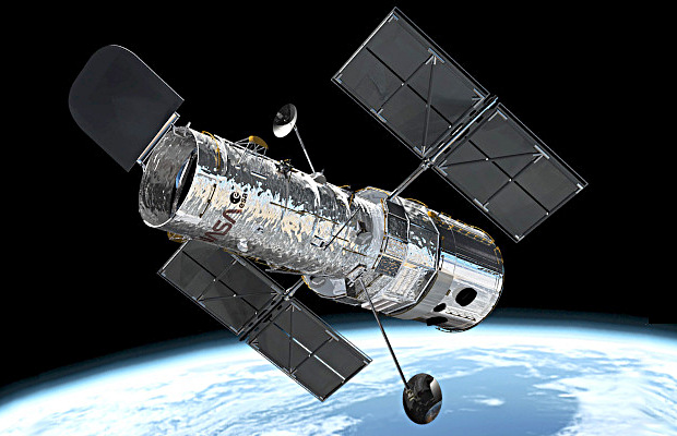 This illustration shows the NASA/ESA Hubble Space Telescope in its high orbit, 370 miles (600 kilometres) above Earth. Image credit: European Space Agency.