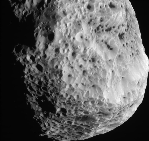 Close-up of Hyperion. Image credit: NASA/JPL-Caltech/SSI