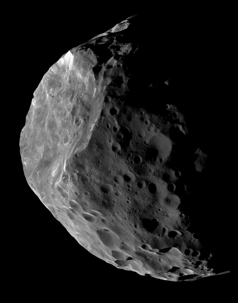 Because they are so distant from the Earth, Centaurs appear as pinpricks of light in even the largest telescopes. Saturn's 200-kilometre moon Phoebe, depicted in this image, seems likely to be a Centaur that was captured by that planet's gravity at some time in the past. Until spacecraft are sent to visit other Centaurs, our best idea of what they look like comes from images like this one, obtained by the Cassini space probe orbiting Saturn. NASA's New Horizons spacecraft, having flown past Pluto six months ago, has been targeted to conduct an approach to a 45-kilometre wide trans-Neptunian object at the end of 2018. Image credit: NASA/JPL-Caltech/Space Science Institute.
