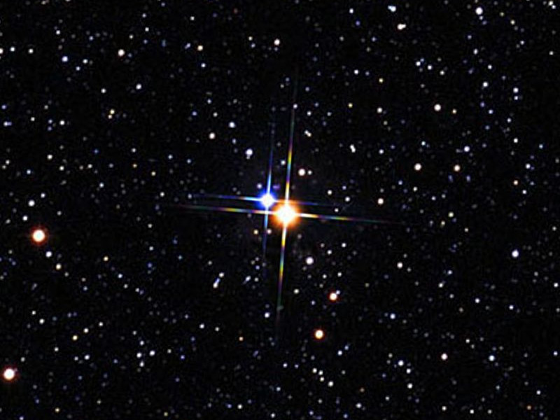 Albireo (al-beer-ee-oh) is an unmissable double star for small telescopes that has glorious amber and sapphire components. It lies at the heart of the Summer Triangle. Image credit: Palomar Observatory/STScI/WikiSky.org CC-BY-SA.
