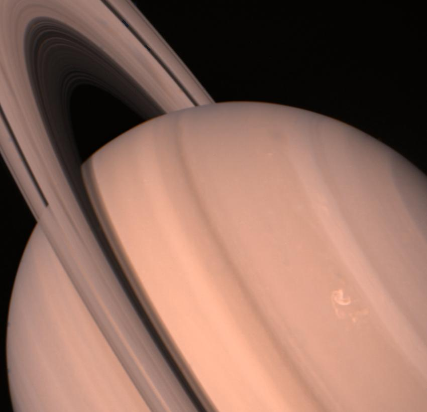 Up-close views from the Voyagers, like this one from Voyager 2, showed Saturn and its rings as never before. Image: NASA/JPL-Caltech.