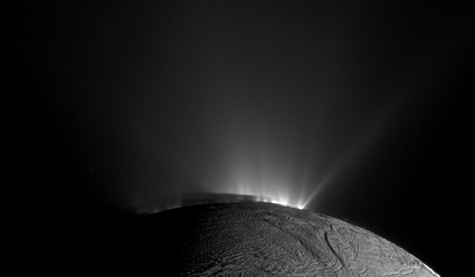 Complex organics spewing from sub-surface ocean on Enceladus