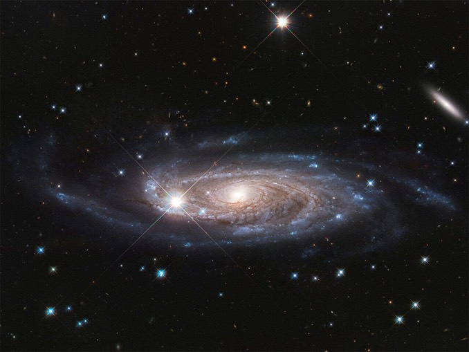 Purification historicoastronomique 010620_giant_galaxy